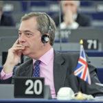 Wie sich die Europafeinde die Taschen füllen